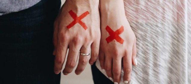 manos de padres divorciados